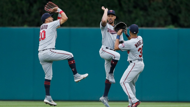 Twins set new single-season home run record