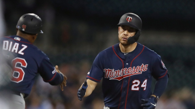 Two former Twins opt to stay in the division, sign with Tigers
