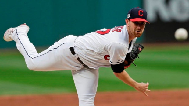 Shane Bieber strikes out nine, Cleveland beats Chicago White