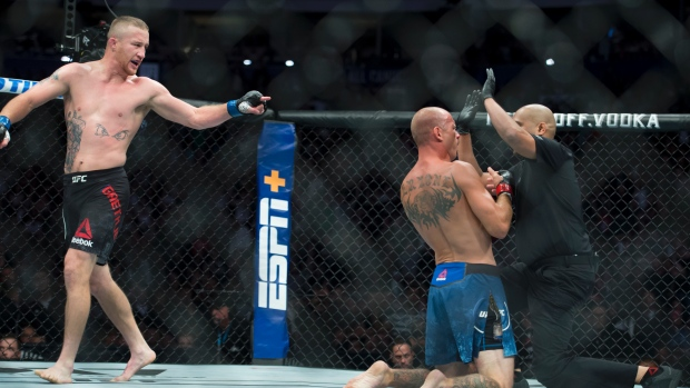 Gaethje makes quick work of Cerrone at Vancouver's UFC Fight Night - TSN