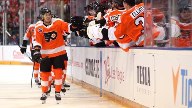 Konecny, Flyers top Blackhawks in Prague