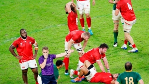 Canada's Larsen apologizes for rugby red card