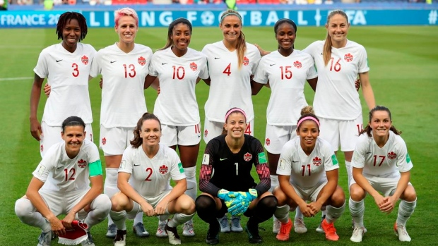 Canadian women's soccer team calls up 15-year-old midfielder Olivia Smith - TSN.ca