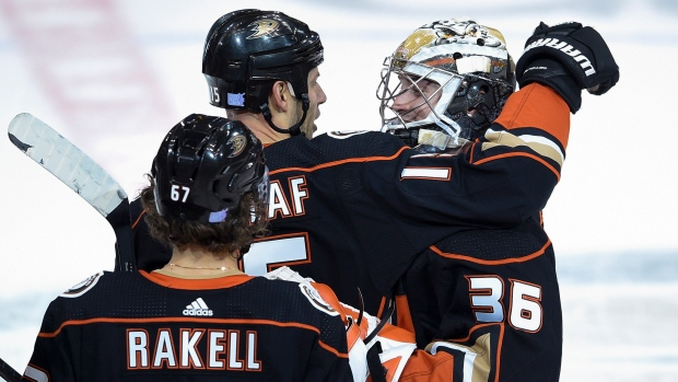 Getzlaf's goal, Gibson's 39 saves put Ducks past Canucks - TSN