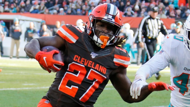 Browns RB Kareem Hunt cited for speeding, weed found in vehicle