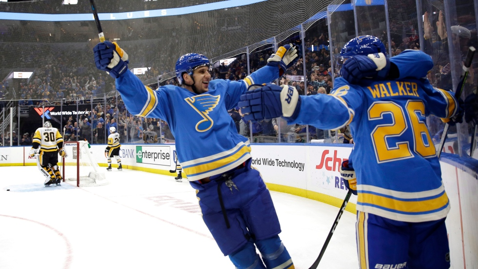 Blues ink Walker to two-year, two-way extension