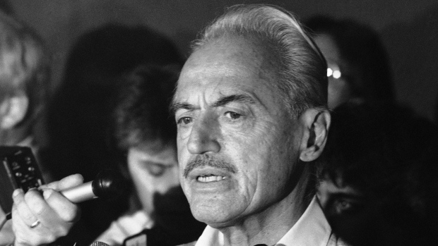 Marvin Miller, Ted Simmons heading into Baseball Hall of Fame