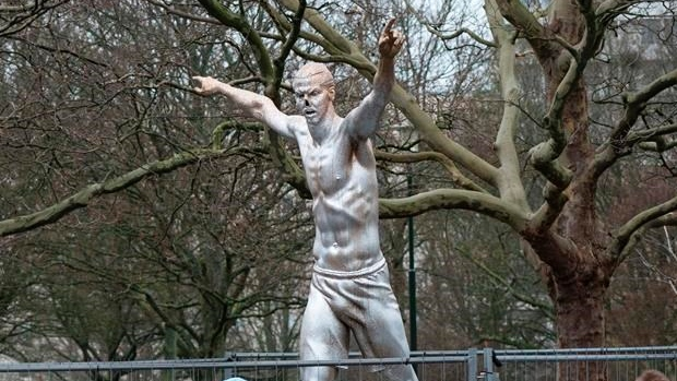 Ibrahimovic statue has nose cut off by vandals
