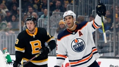 Darnell Nurse (25) celebrates his goal in front of Charlie McAvoy