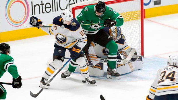 Dahlin breaks tie, Ullmark helps Sabres beat Stars