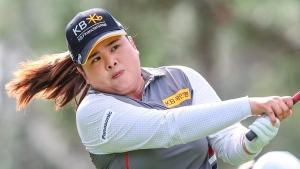 Park takes 1-stroke lead at LPGA's Singapore event