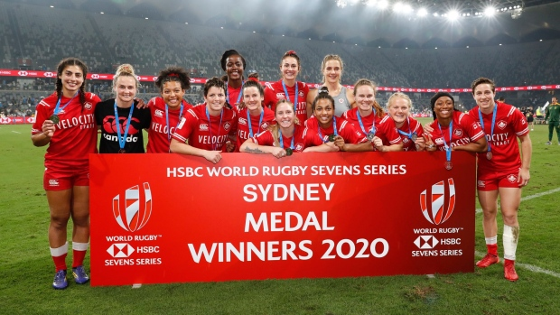 New Zealand women's sevens team book Sydney semifinal as men eliminated