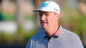 Els shoots 65 to take three-shot lead at Dick's Sporting Good Open