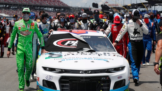 Boren Bubba Wallace Pushed To Ban Confederate Flag But To Nascar S Credit They Came Along Quickly Difficult To Understand How Noose Could End Up In Wallace S Garage Tsn Ca