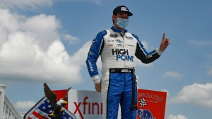 Briscoe holds off Chastain to win Xfinity race at Pocono