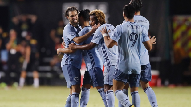 Graham Zusi S Late Goal Gives Sporting Kc Win Over Rapids Tsn Ca