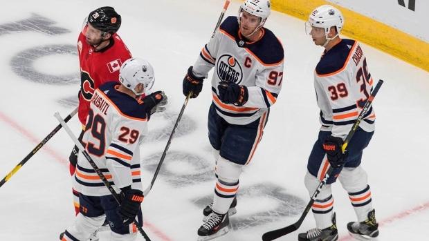 Edmonton Oilers Defeat Calgary Flames In Exhibition Debut Of Edmonton S Nhl Hub Bubble Tsn Ca