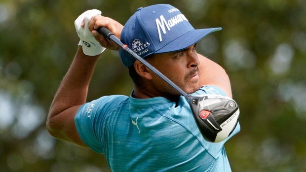 Fowler returns to big stage and takes lead in Vegas