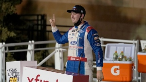 Briscoe rolls at Kansas to punch ticket to Xfinity finale