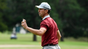 Weir finishes second in battle of lefties