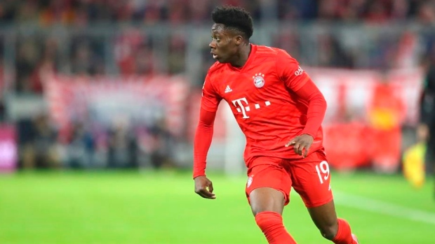 Davies exits early for Bayern Munich with thigh pain