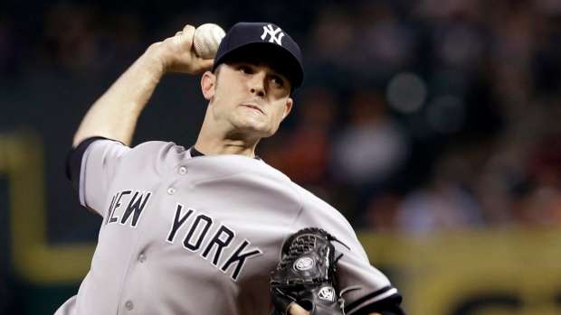 Phillies sign reliever David Robertson