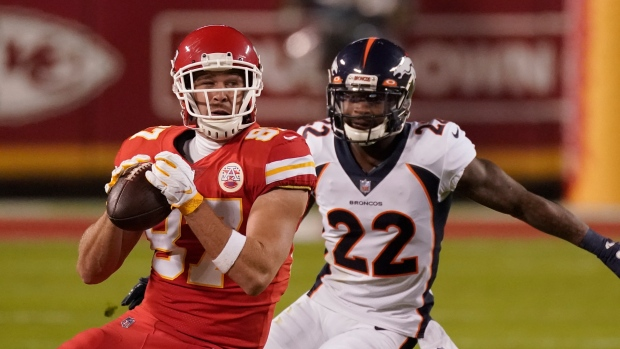 Kelce (hip) exits Chiefs practice early