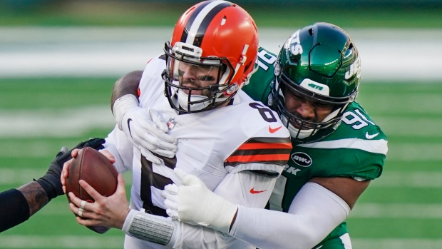 Report: Browns QB Mayfield to need shoulder surgery in off-season