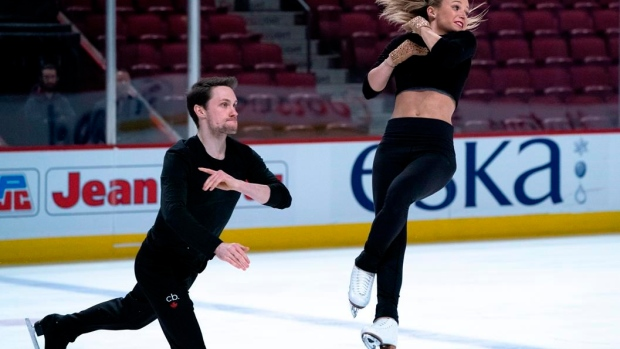 Moore-Towers, Marinaro lead after short program of virtual Skate Canada Challenge Article Image 0