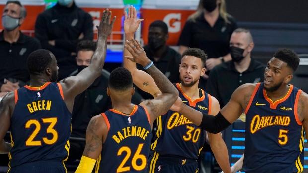 Stephen Curry Golden State Warriors Honour Vp Kamala Harris In Win Over San Antonio Spurs Tsn Ca