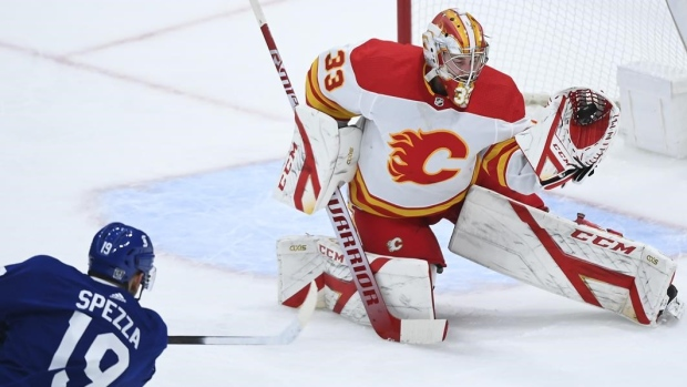 Leafs acquire goalie Rittich from Flames
