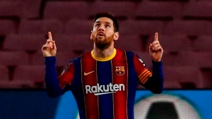 Report: Messi re-signs with Barca through 2026