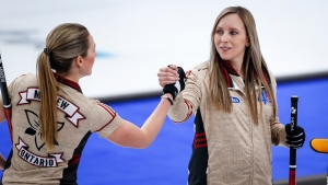 Homan, Einarson remain tied for first in Scotties championship pool
