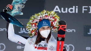 Vlhova edges Shiffrin at World Cup giant slalom