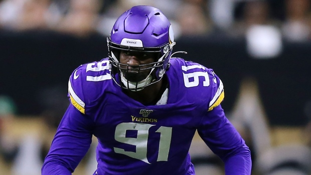 Broncos get pass rusher Weatherly in swap with Vikings