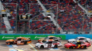 Cindric holds on in final restart, wins again at Phoenix