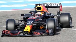 Verstappen takes pole at Bahrain Grand Prix