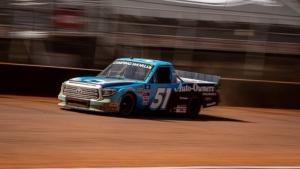 Truex dominates on dirt for first Truck win