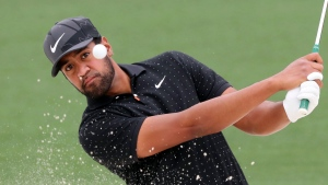 Finau gets surprise FaceTime call from Brady during rain delay