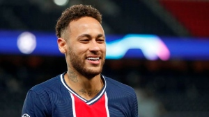 Neymar signs extension with PSG to 2025