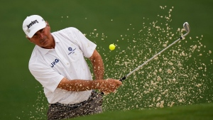 Couples nearly flawless and takes two-shot lead in Naples