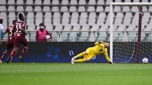 Napoli beats Torino to move into CL spots