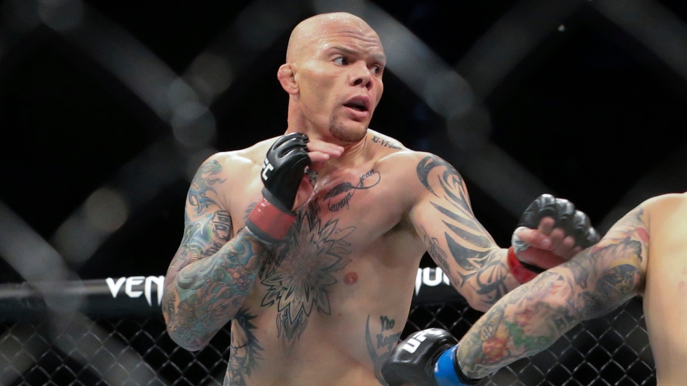 Smith dominates, submits Spann at UFC Fight Night