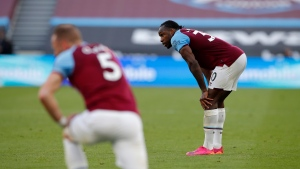 West Ham's CL hopes damaged by loss to Everton
