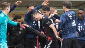 Lewandowski ties Bundesliga goal record