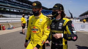 Photo shoot nearly causes crash during Indy 500 practice