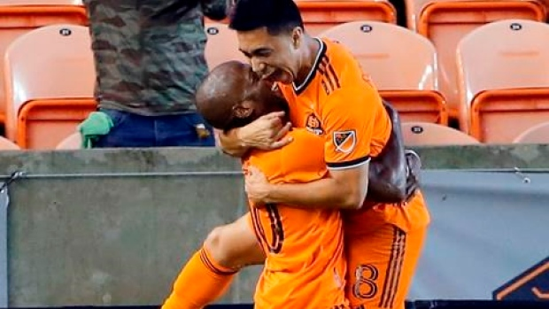 Dynamo hold off Whitecaps for win