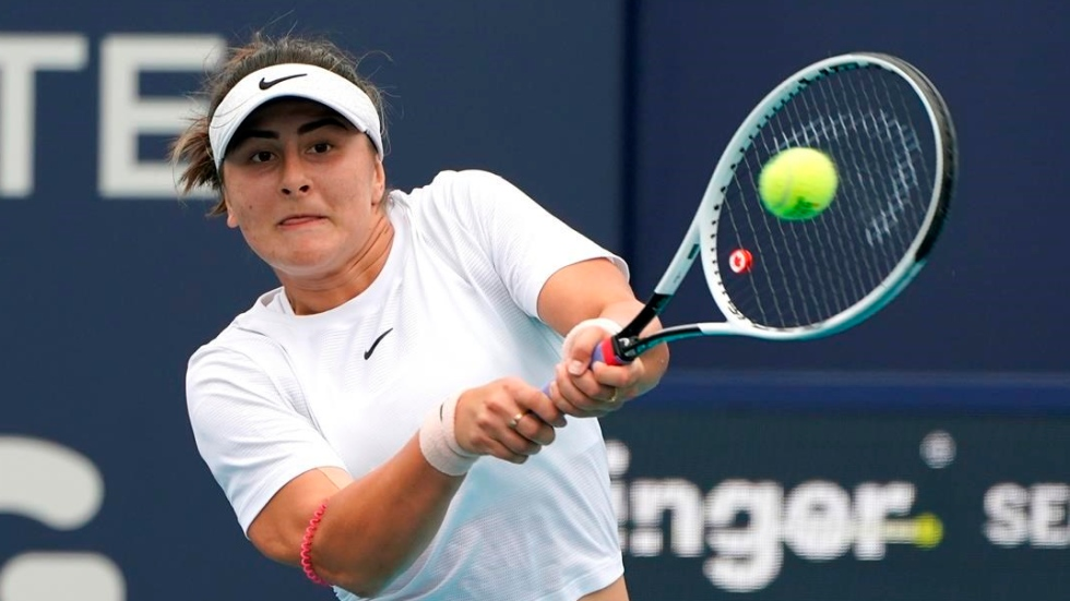 Andreescu wins opener at Wimbledon tune-up event