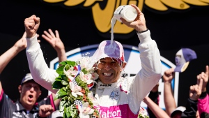 Castroneves wins Indy 500 for fourth time