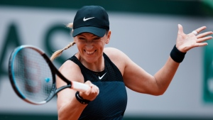 Azarenka beats Kerber to reach German Open quarters